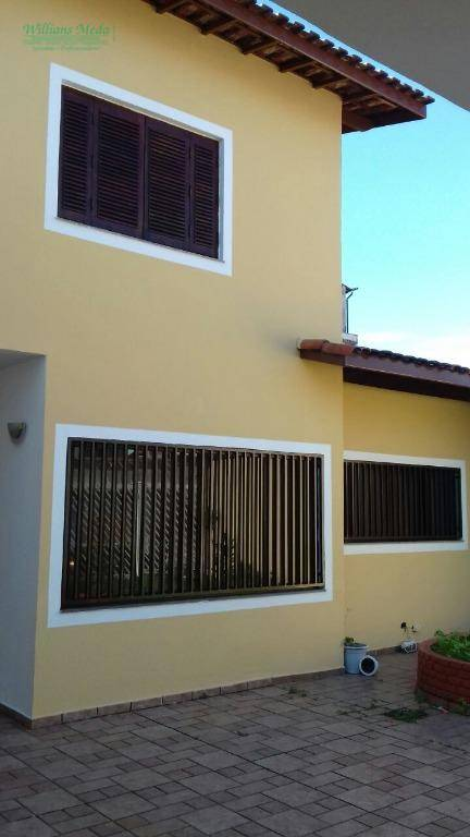 Sobrado residencial para locação, 3 dormitórios, 3 vagas. Parque Renato Maia, Guarulhos.