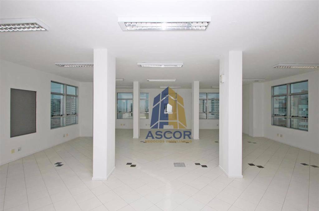 Sala comercial em um prédio de alto padrão e localização estratégica, Centro, Florianópolis. - SA0115