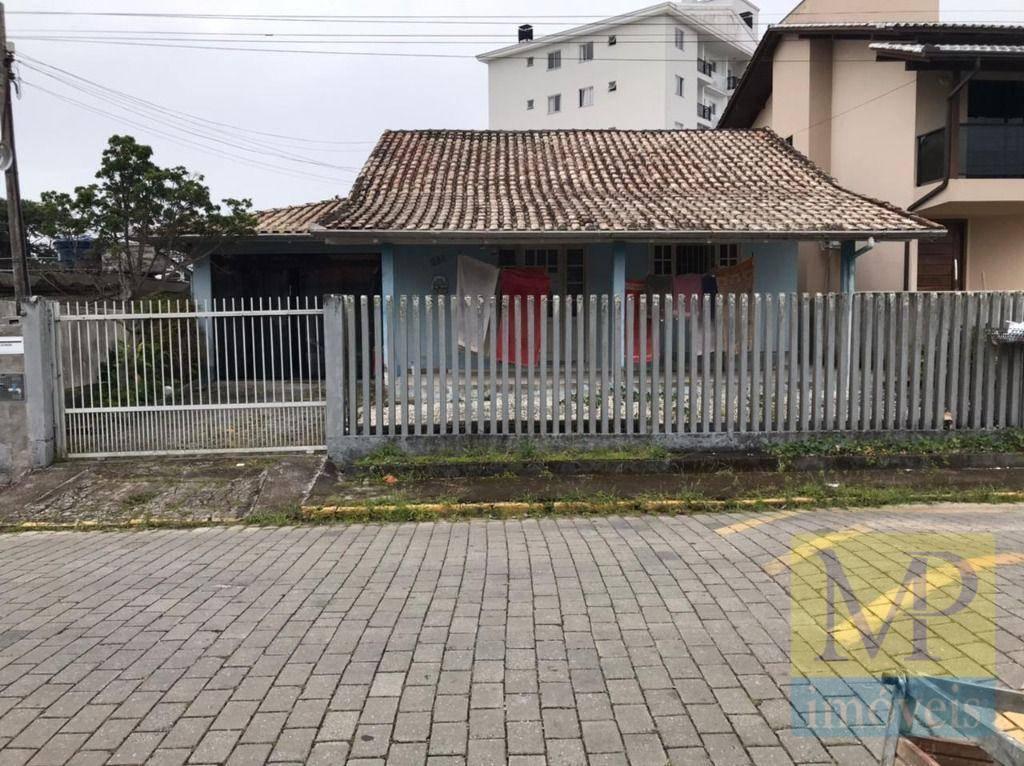 Casa com 4 dormitórios à venda, 200 m² por R$ 430.000,00 - Centro - Penha/SC