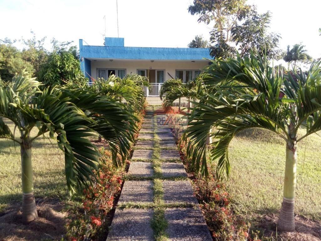 Casa em Aldeia km 19, condomínio fechado.