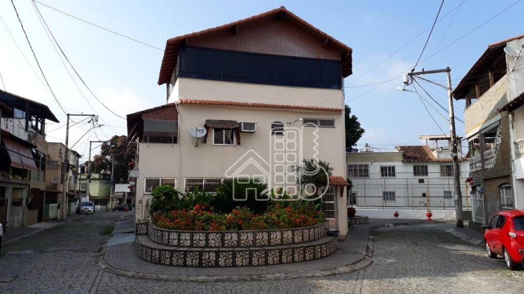 Casa com 3 dormitórios à venda, 180 m² por R$ 435.000 - Centro - São Gonçalo/RJ