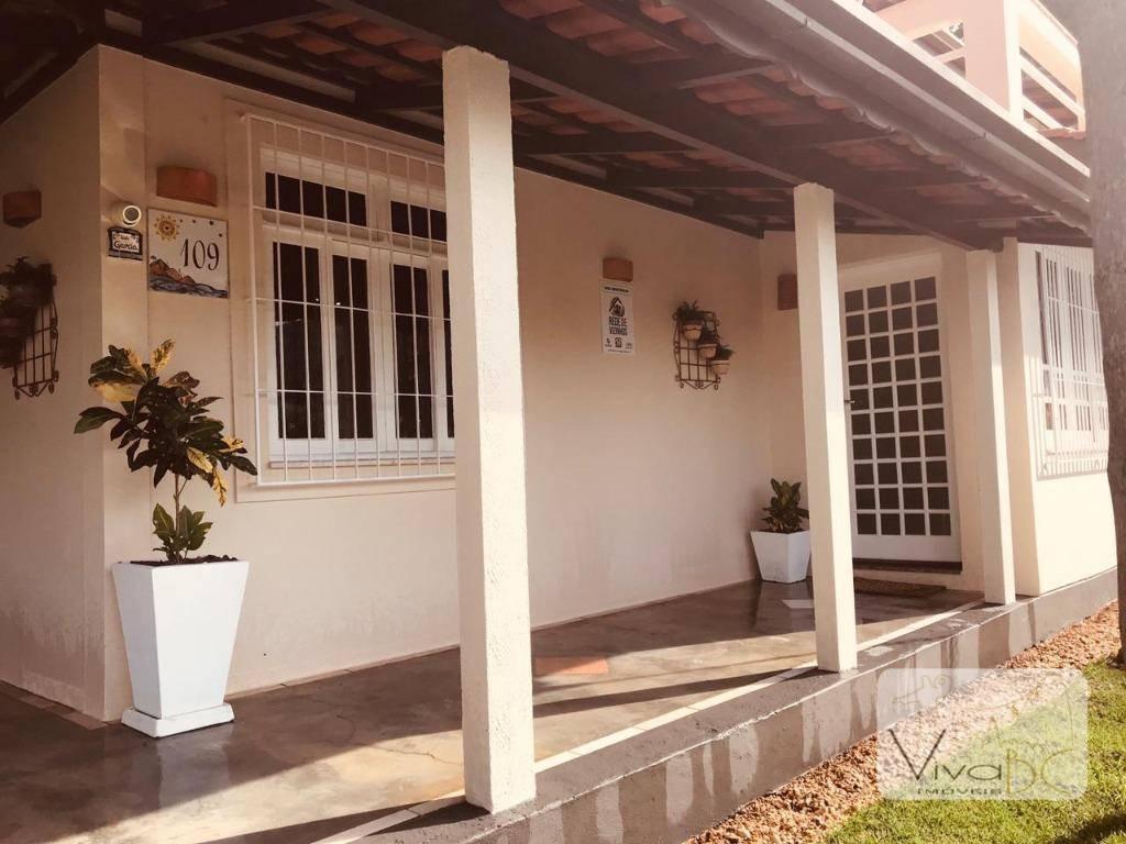 Casa com 3 dormitórios à venda, 400 m² por R$ 2.000.000 - Cabeçudas - Itajaí/SC