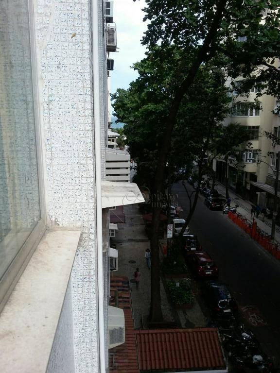 Kitnet em Copacabana  -  Rio de Janeiro - RJ