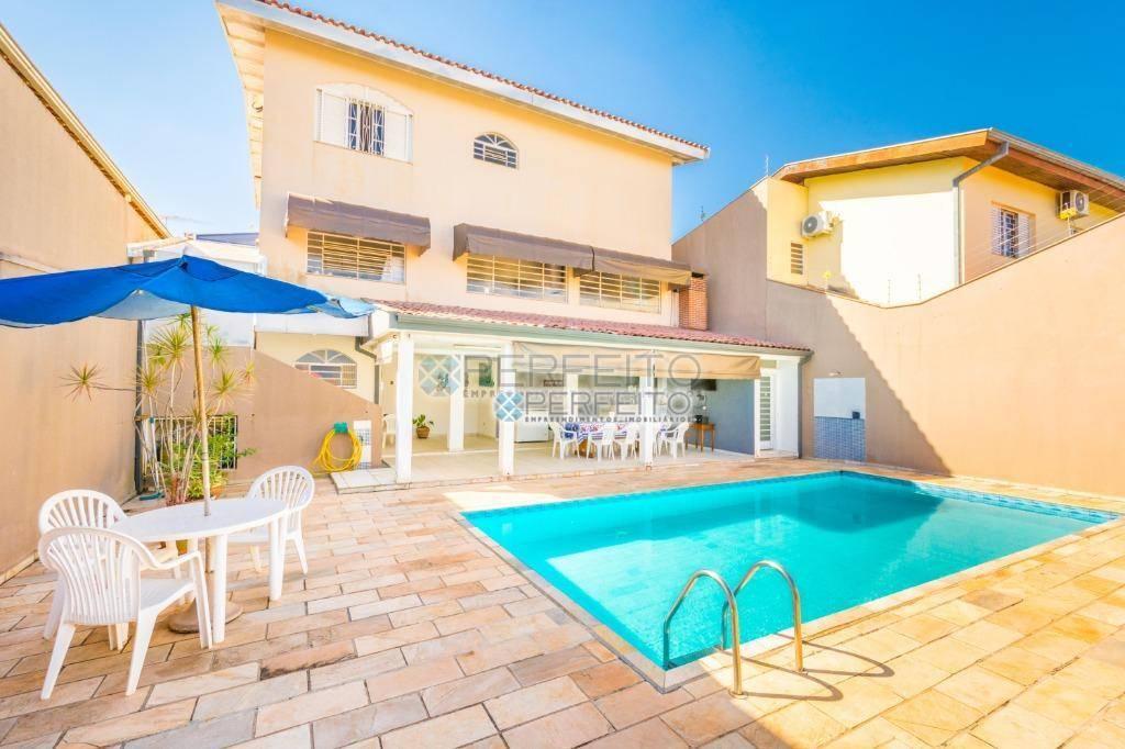 Sobrado com 3 dormitórios à venda, 336 m² por R$ 860.000,00 - Champagnat - Londrina/PR