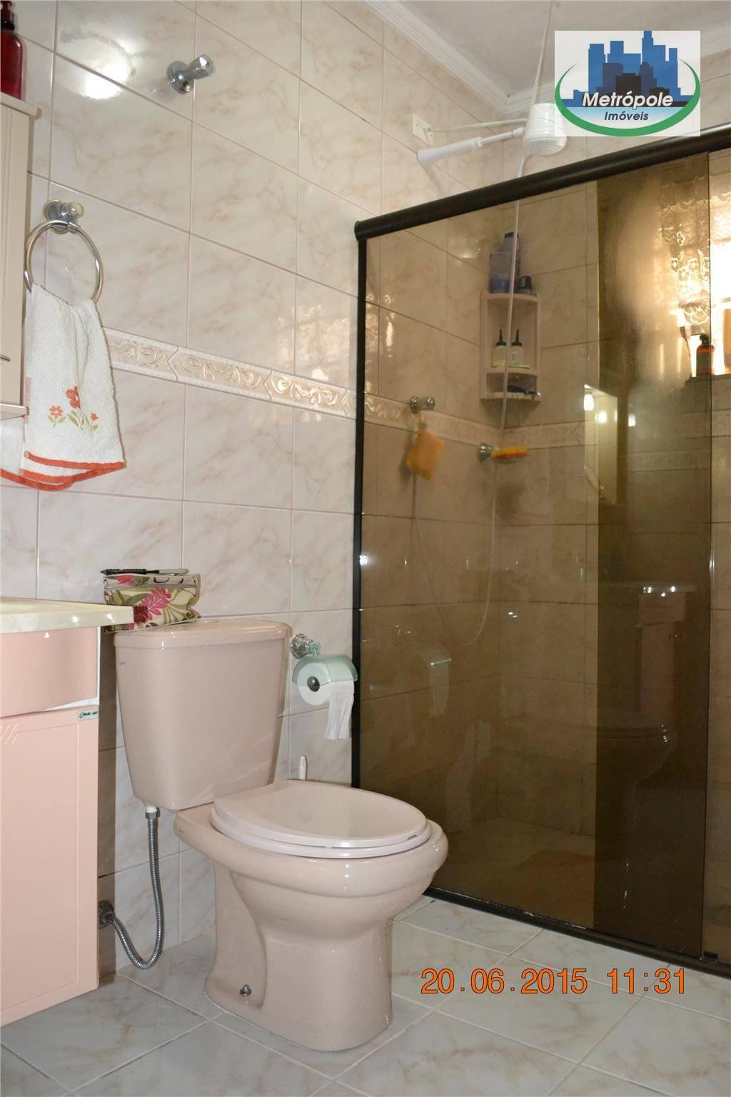 Sobrado de 4 dormitórios à venda em Vila Barros, Guarulhos - SP