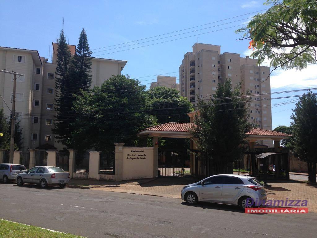 Apartamento residencial à venda, Olinda, Uberaba - AP2175.