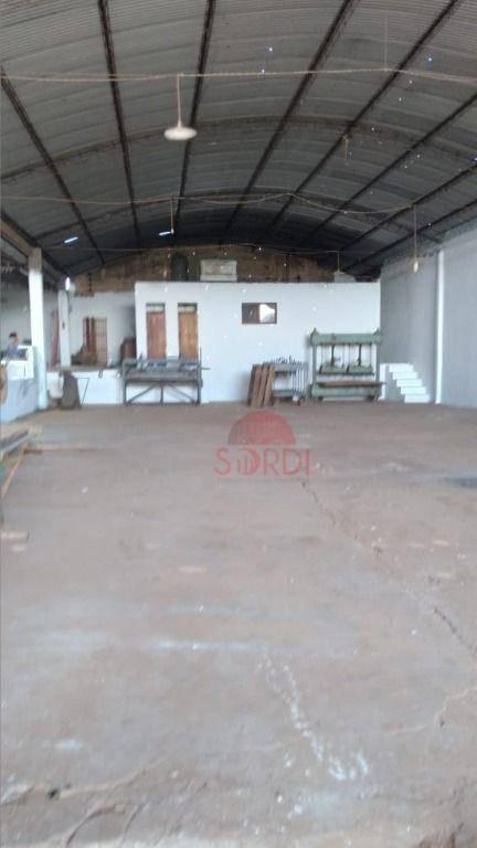 Galpão, 620 m² - venda por R$ 750.000,00 ou aluguel por R$ 3.900,00/mês - Vila Vieira - Cajuru/SP