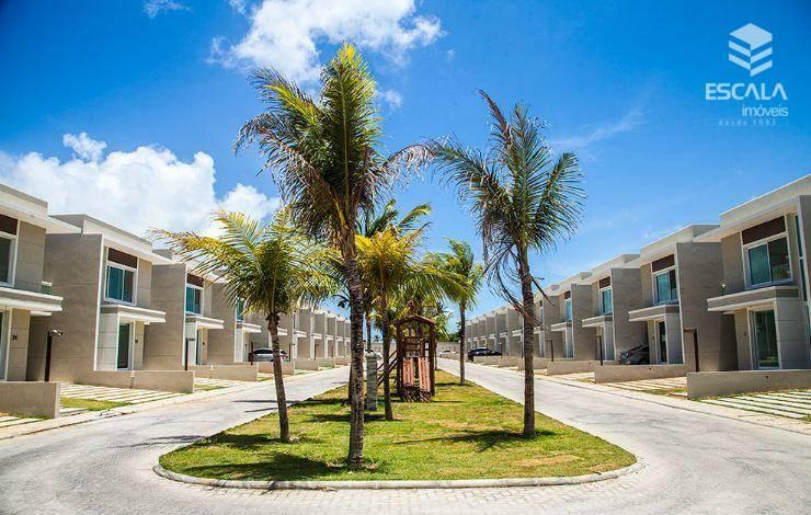 Casa duplex com 4 quartos à venda, 186 m², 3 vagas, área de lazer, financia - Lagoa Redonda - Fortaleza/CE