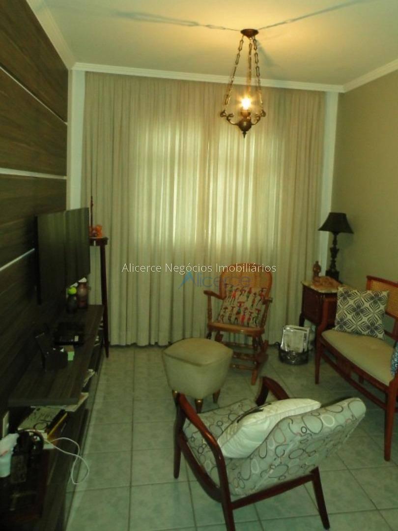 Apartamento com 2 dormitórios à venda, 72 m² por R$ 252.000 - Mundo Novo - Juiz de Fora/MG