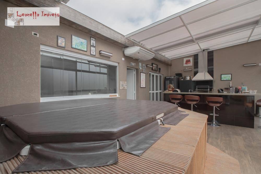 Sobrado com 3 suites à venda, 240 m² por R$ 760.000