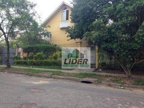 Sobrado em Porto Alegre no Bairro Teresópolis
