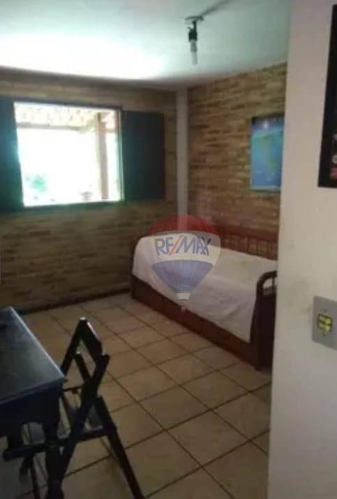 Excelente casa com 04 quartos em condomínio fechado!!!!