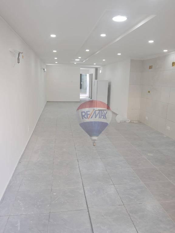 Loja ampla e reformada, com 153 m²