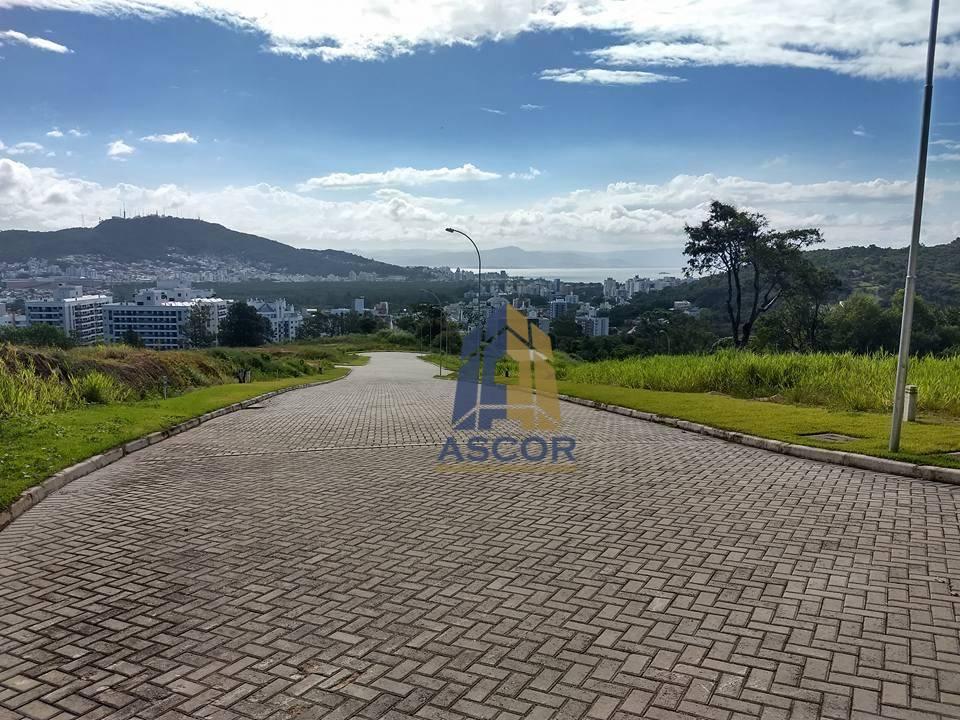 Excelente opção de terreno com 450m² em loteamento residencial no Itacorubi