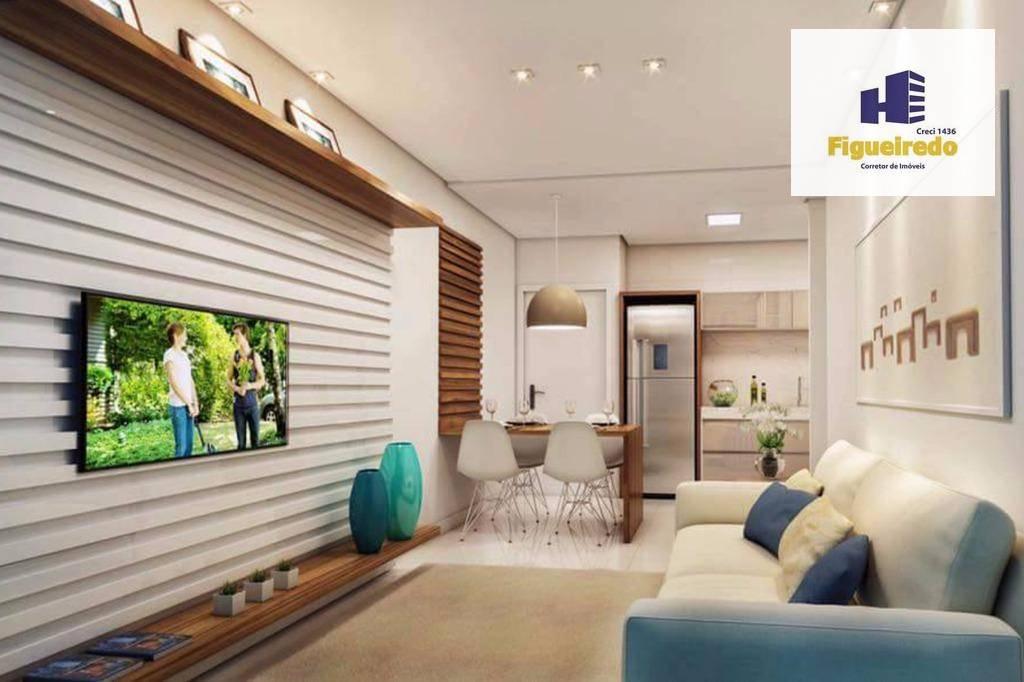 Apartamento com 2 dormitórios à venda, 58 m² por R$ 350.000