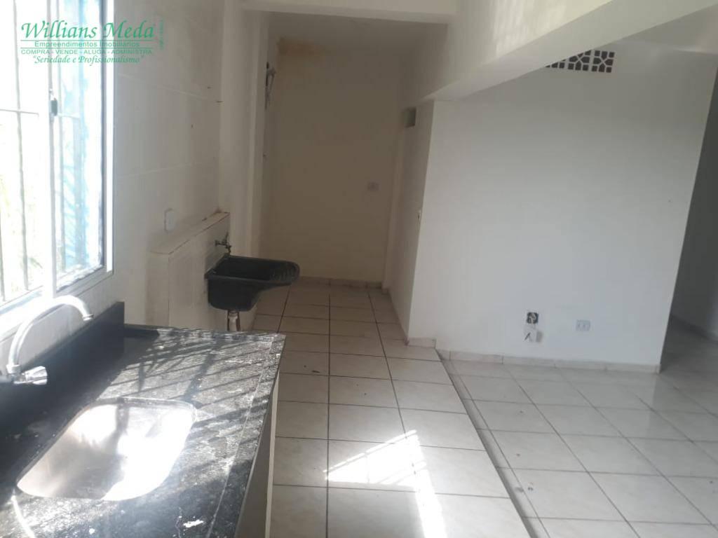Apartamento com 2 dormitórios para alugar, 68 m² por R$ 800/mês - Parque Continental II - Guarulhos/SP
