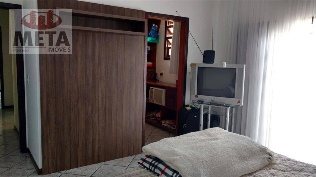 Casa com 6 Dormitórios à venda, 289 m² por R$ 980.000,00