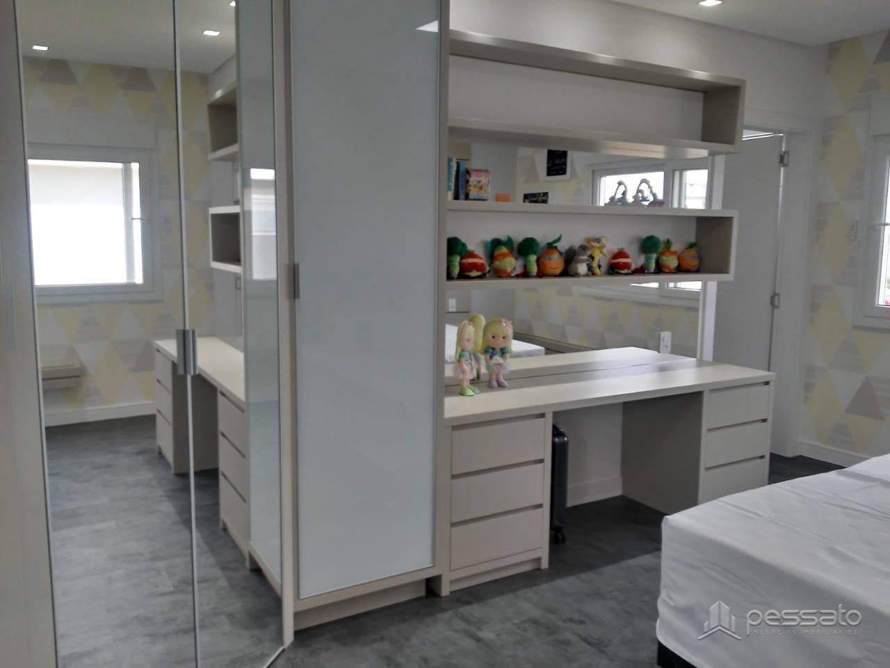 casa 5 dormitórios em Gravataí, no bairro Alphaville