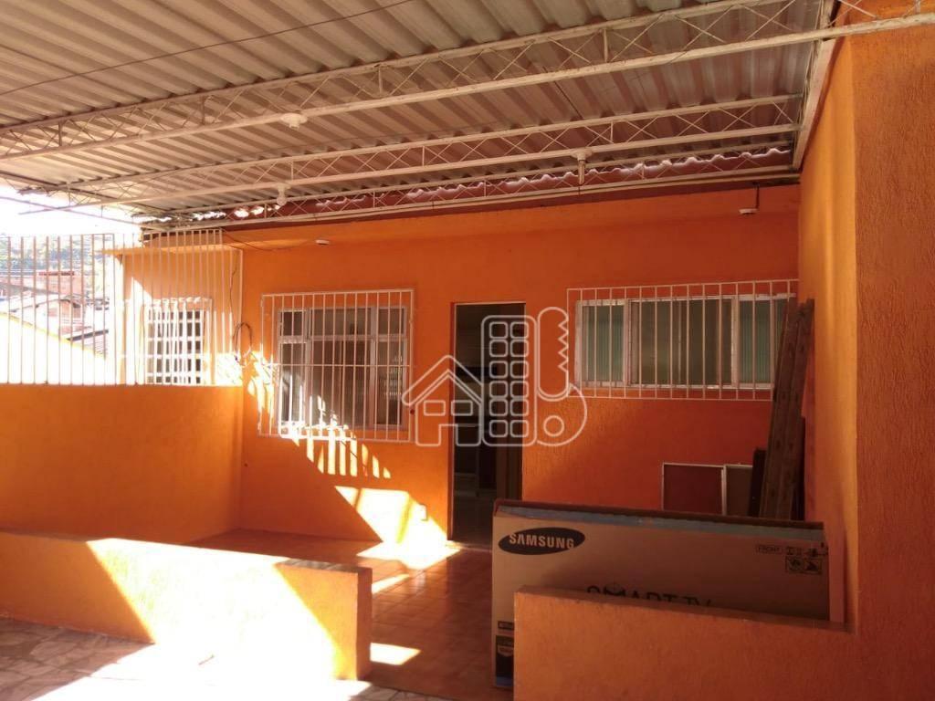 Casa com 3 dormitórios à venda, 250 m² por R$ 371.000,00 - Barro Vermelho - São Gonçalo/RJ