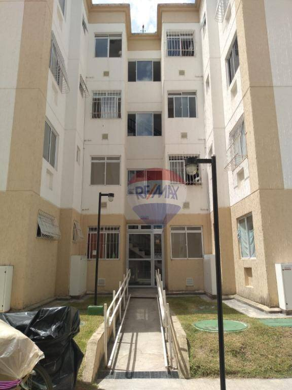 Apartamento com 2 dormitórios para alugar, 41 m² por R$ 600/mês - Alberto Maia - Camaragibe/PE