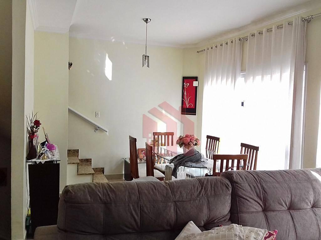 Sobrado Triplex 3 dormitórios em Vilagio - São Vicente