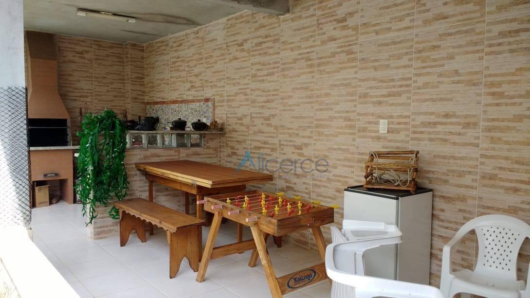 Casa com 3 quartos à venda, 250 m² por R$ 850.000 - Alto dos Pinheiros - Juiz de Fora/MG
