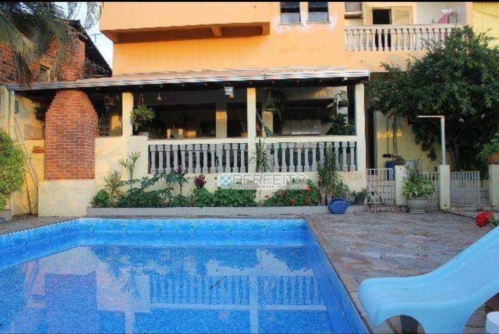 Sobrado com 3 dormitórios à venda, 300 m² por R$ 1.300.000,00 - Brasilia - Ibiporã/PR