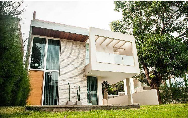 Casa duplex com 3 quartos à venda, 229 m², 3 vagas, área de lazer, financia - Lagoa Redonda - Fortaleza/CE