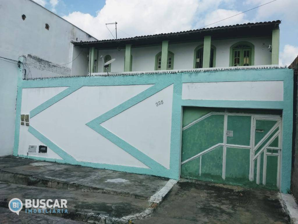Sobrado com 7 dormitórios à venda, 180 m² por R$ 260.000 - Calumbi - Feira de Santana/BA