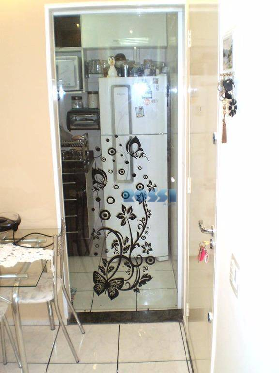 apartamento contendo 2 dormitórios planejados, wc social com gabinete e box, sala living 2 ambientes com...