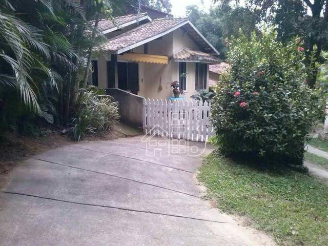 Casa com 2 dormitórios à venda, 243 m² por R$ 165.000,00 - Rio do Ouro - São Gonçalo/RJ