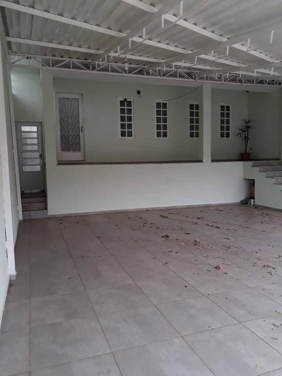 Troca (ou Vende)  Casa Valinhos R$ 680mil Por Casa Condomínio volta + R$ 100mil