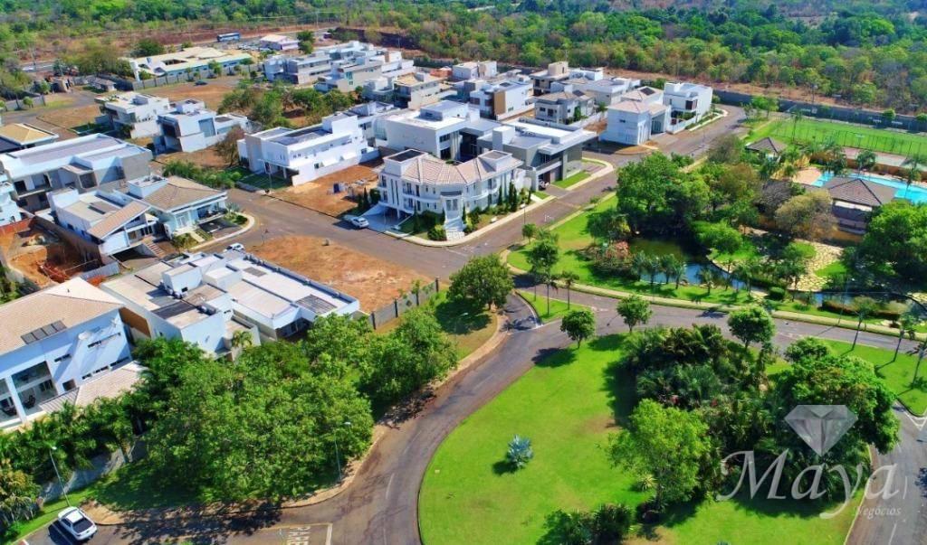 Terreno de 360 m² à venda no Condomínio Aldeia do Sol