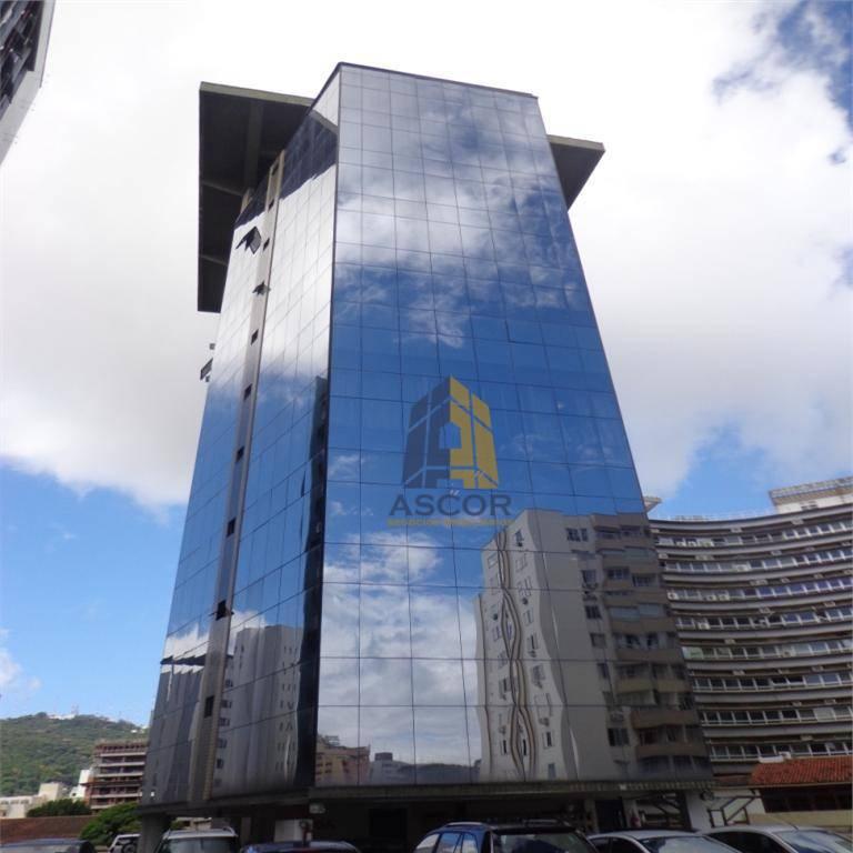 Sala comercial em ótima localização no Centro de Florianópolis. - SA0075