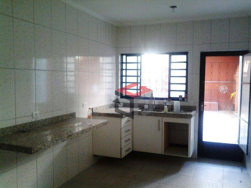 Sobrado de 3 dormitórios à venda em Vila Palmares, Santo André - SP