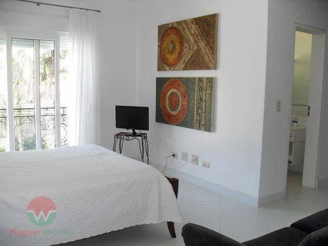 sobrado à venda no jardim acapulco em guarujá, sala ampla para vários ambientes com varanda e...