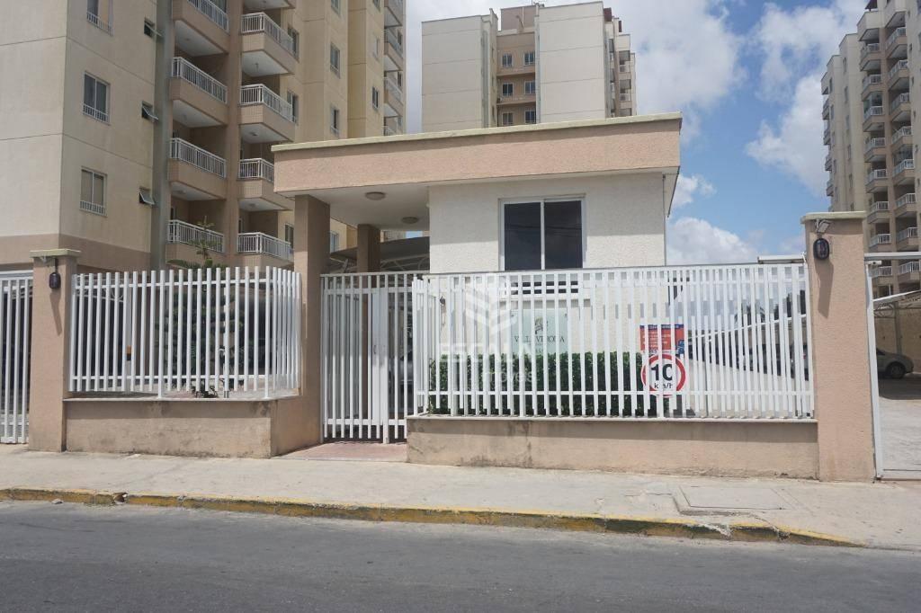 Apartamento com 3 dormitórios para alugar, 75 m² por R$ 1.500,00/mês - Messejana - Fortaleza/CE