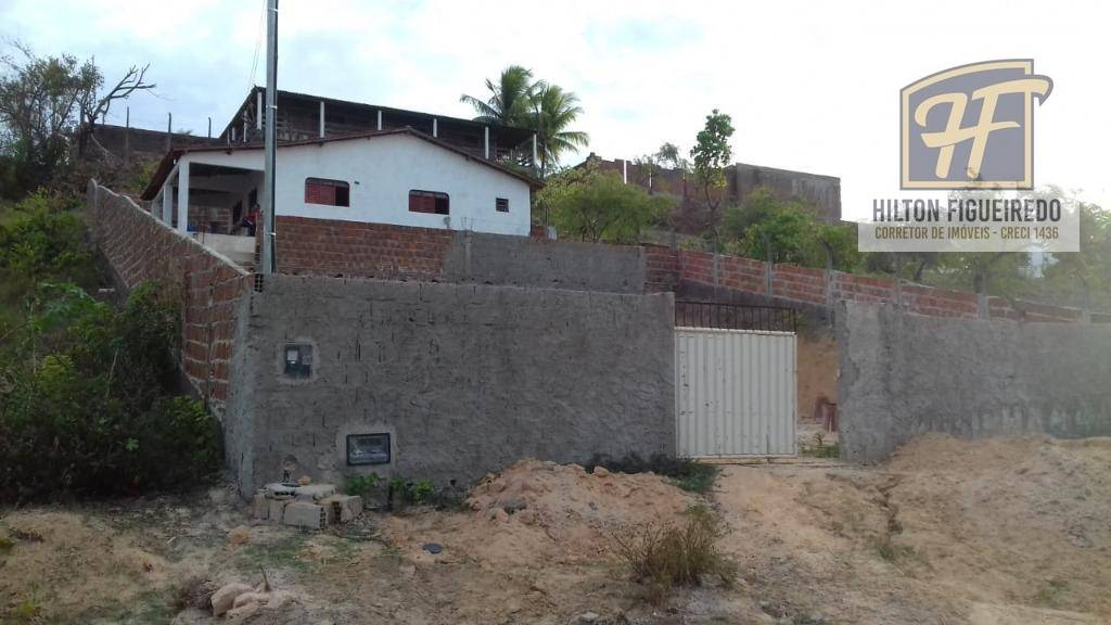 Vendo casa em Jacumã. Ideal pra veranear e sub-locar pra temporada ou construir pousada. 10 minutos a pé pro mar.  R$ 95 mil