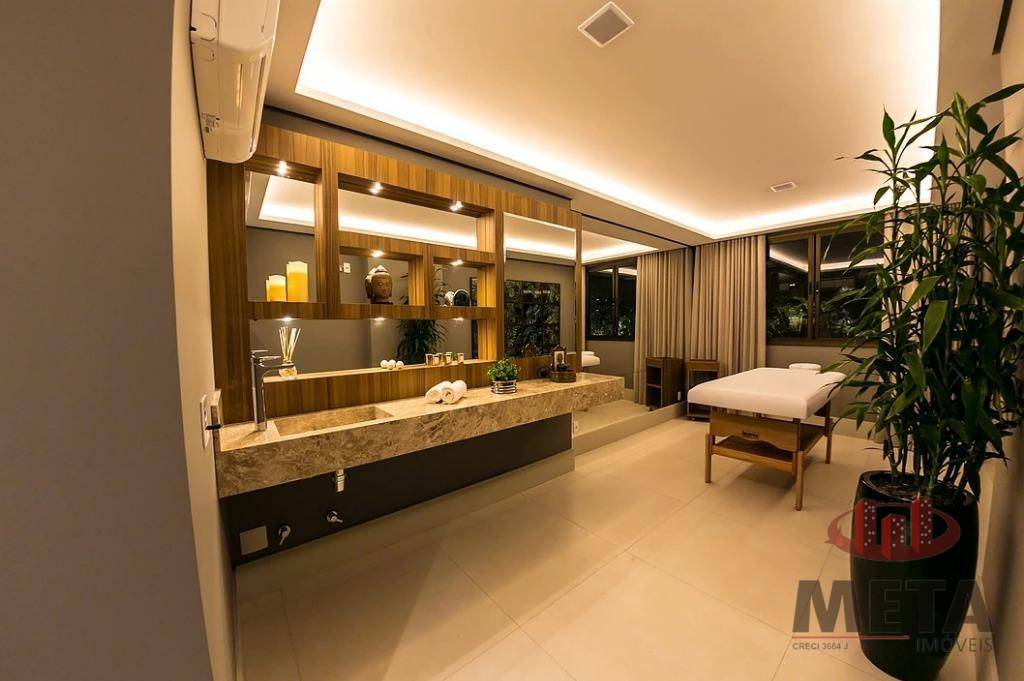 Apartamento com 4 Dormitórios à venda, 250 m² por R$ 2.168.171,00