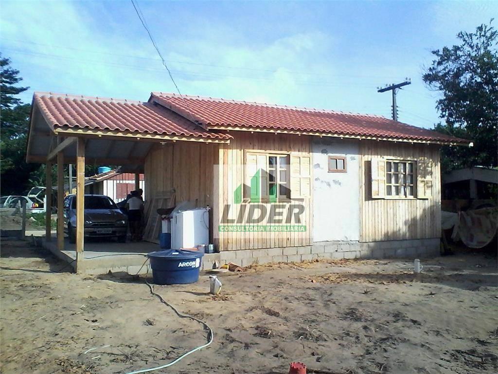 Casa em Imbituba no bairro Guaiúba