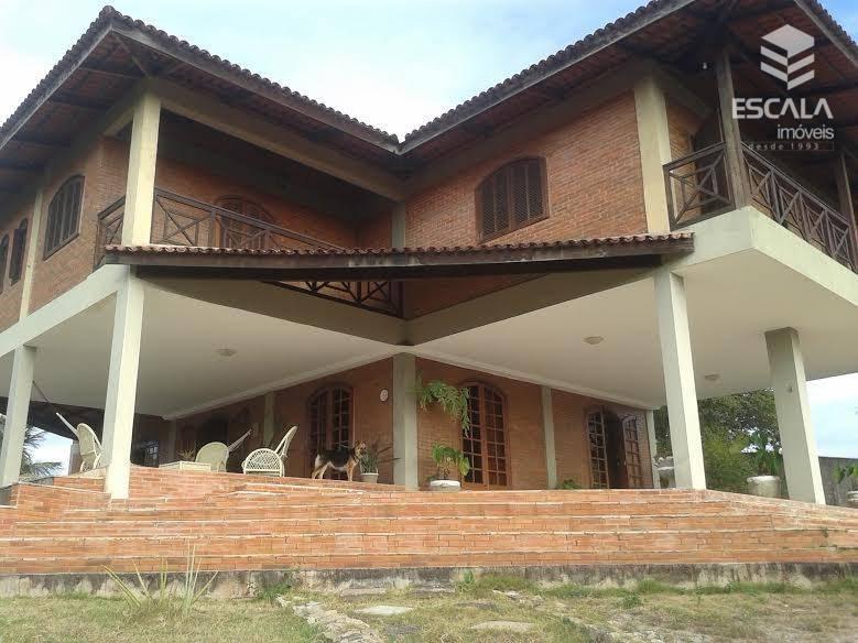 Belissima casa duplex à venda na Lagoa do banana. Ampla, com terreno de 4.500m2. Vista para a Lagoa do banana.