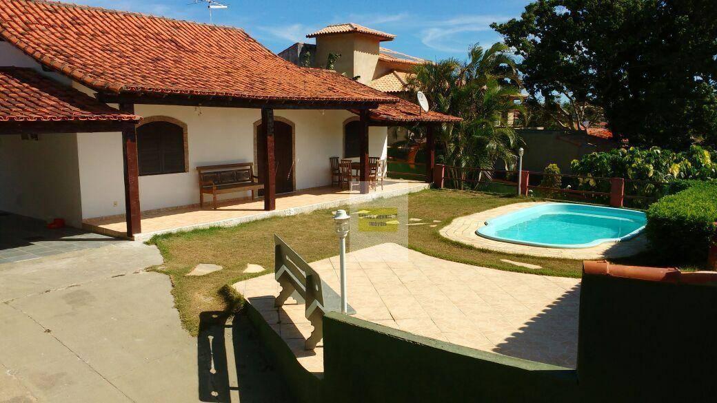 Linda casa em Manguinhos com vista mar