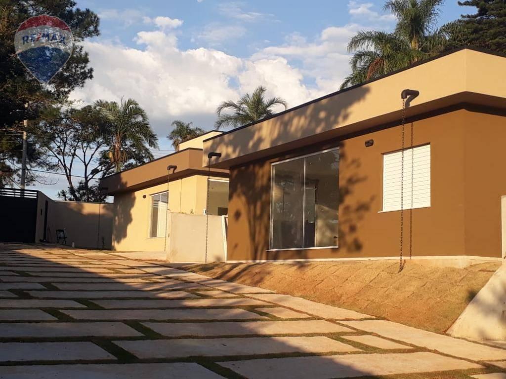 Casa com 3 dormitórios para alugar por R$ 1.700,00/mês - Jardim Estância Brasil - Atibaia/SP