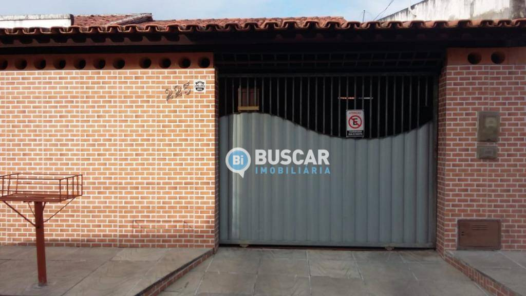 Casa com 3 dormitórios à venda, 127 m² por R$ 270.000 - Serraria Brasil - Feira de Santana/BA