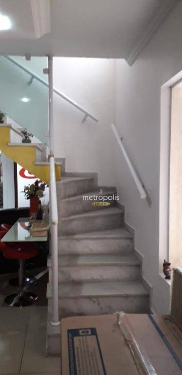 Sobrado com 4 dormitórios à venda, 238 m² por R$ 750.000,00 - Vila Camilópolis - Santo André/SP