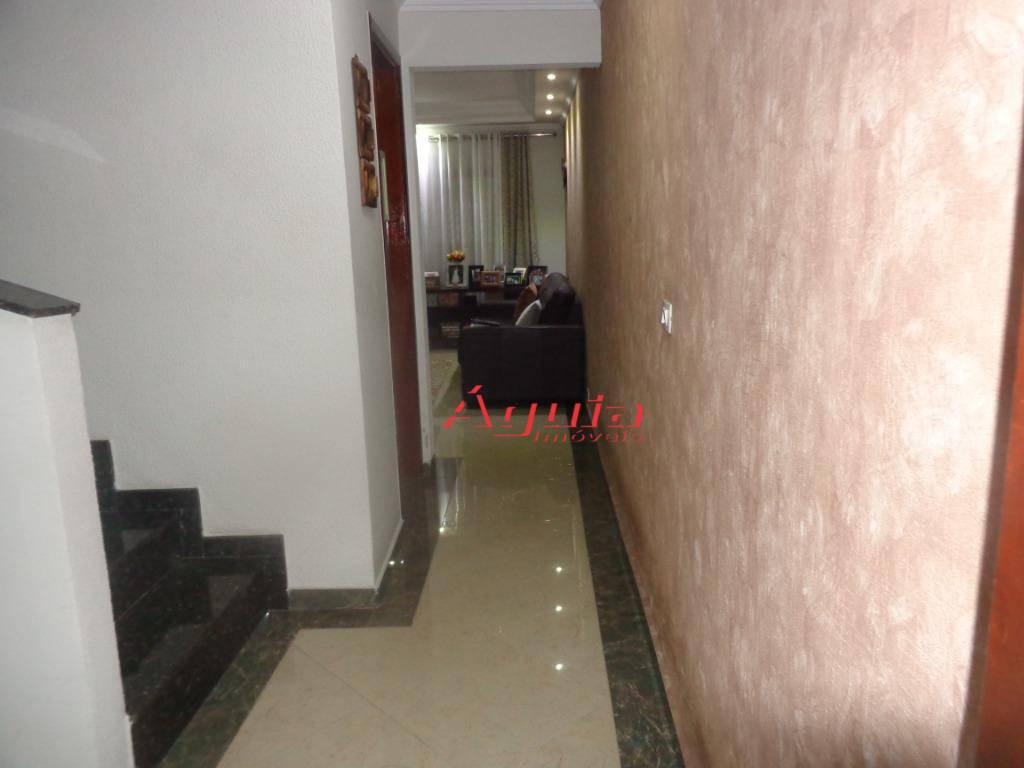 Sobrado com 3 dormitórios à venda, 164 m² por R$ 595.000 - Parque Jaçatuba - Santo André/SP