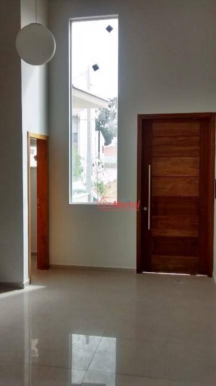 descrição: 3 quartos suítes, (sendo 1 suíte com closet), 1 banheiro social, sala com pé direito...