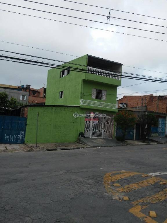 Sobrado com 2 dormitórios para alugar, 100 m² por R$ 950/mês