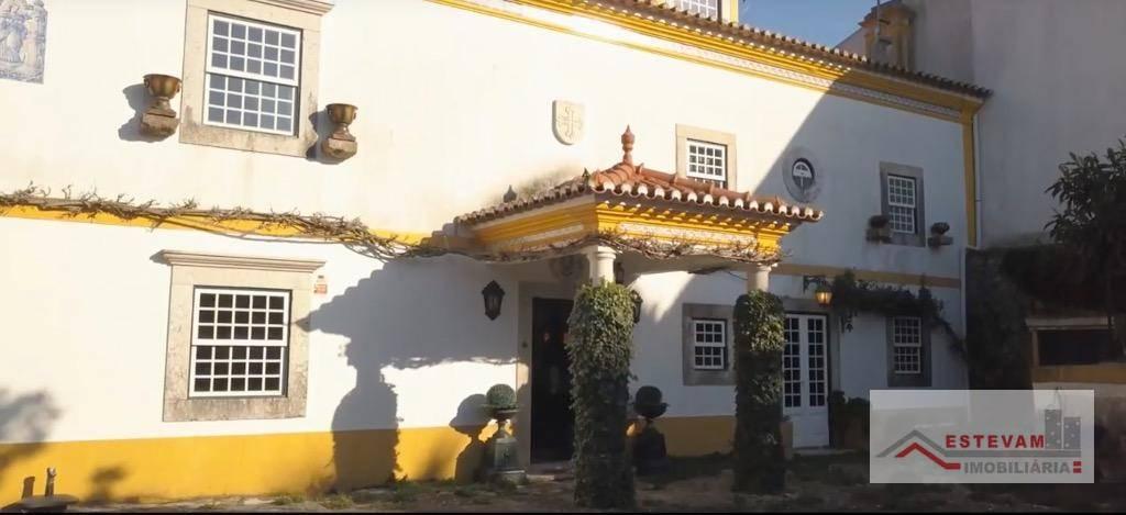 Casa à venda, 458 m² por R$ 2.000.000 - Runa - Lisboa/PT