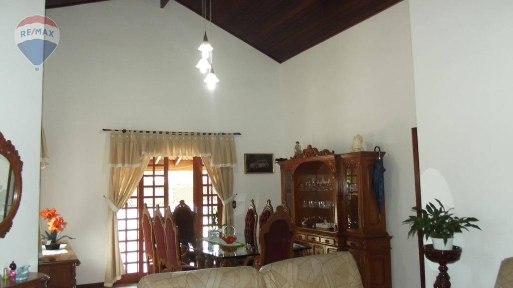 Casa com 3 dormitórios à venda, 225 m² por R$ 650.000 - Jardim Tapajós - Atibaia/SP